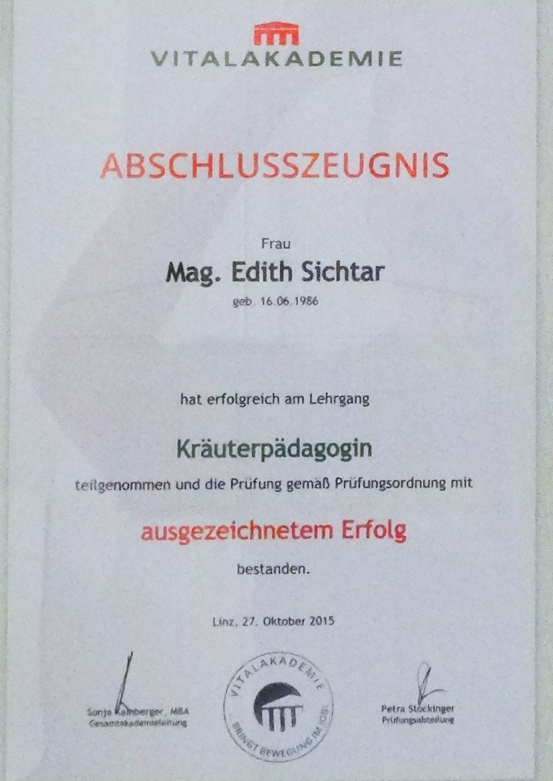 Edith Sichtar, Abschlusszeugnis